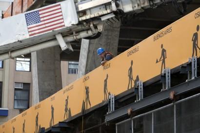 MenAtWorkNY_WTC02.jpg